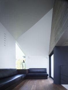 Shirokane House / MDS///www.bedreakustik.dk/home DISCOUNT TO PINTEREST CUSTOMERS Dedicated to deliver superior interior acoustic experience.#pinoftheday#interior#scandinavian design#krumm///////