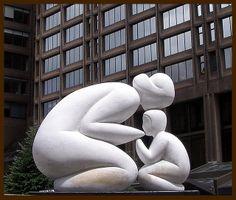 Sculpture   Tenderness in Montreal #eccosmile #sculptured65