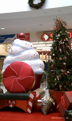 Santa's chair in Eagle Rock