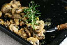Baked Mushrooms with Rosemary and Parmesan by angiesrecipes #Mushrooms #Rosemary #Parmesan