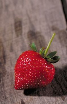 How to Choose Ripe Strawberries