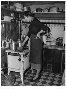 children food, paris apartments, apartment kitchen, tiny kitchens, cooking