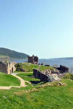 Castle Urquhart - Loch Ness, Scotland...the Loch is incredible...if anyone ever has the opportunity to go to Loch Ness or Scotland in general take it and run...its an amazing country