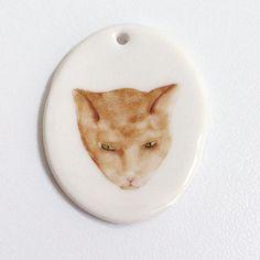 Porcelain pendant kitteh cat by Mouseblossom