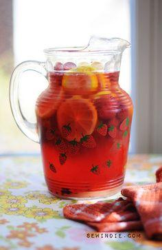 crushed berry lemonade