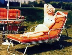 Marilyn Monroe photographed by Mischa Pelz, 1953