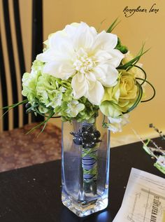 Don't pay a florist -- make your own wedding flower displays!