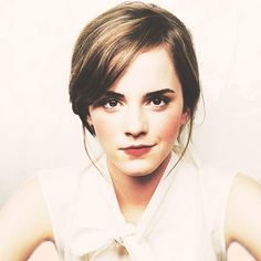 I don't want to look like everyone else. I don't have perfect teeth, I'm not stick thin. I want to be the person who looks great in her body and can say that she doesn't want to change anything. - Emma Watson