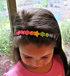 Super-simple button headband -- in a rainbow of spring colors.
