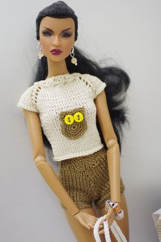 FR2 Dominique Rare Appeal modeling GEMINI knit fashion!