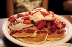 strawberries #pancakes