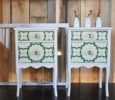 vintage nightstands - vintage wallpaper