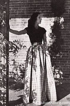 Couture Allure Vintage Fashion 1945  Rayon taffeta evening skirt in red, white and green plaid