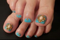 Pretty pedicure- turquoise with jewels
