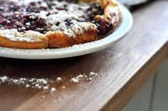 MommyCoddle | Make this // Oven-puffed pancake with blueberries