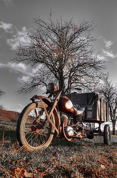 Old motorcycle | Flickr - Photo Sharing!