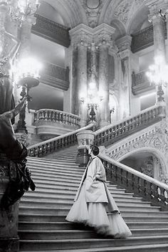 Dior + tulle on the grand staircase at the Paris Opera, 1948.