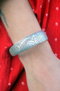 Vintage Sterling Silver Engraved Bracelet by TavinShop on Etsy