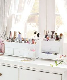 Keep all of your cosmetics neat and tidy with these compact Beauty Organizers.  #LakesideCollection