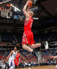 Chase Budinger soars for a slam against Sacramento