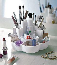 lazy susan makeup storage