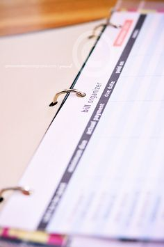 home organization binder | DIY printables | ginaraemillerphotography.com