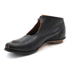 Love Cydwoq shoes.