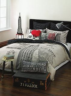 I sooo want this duvet cover...but i can't afford it :(