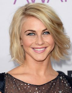 Julianne Hough: Short hair, bob  (People's Choice Awards '13)