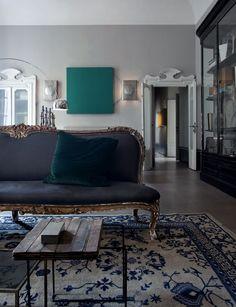 sofa and velvet... yum.