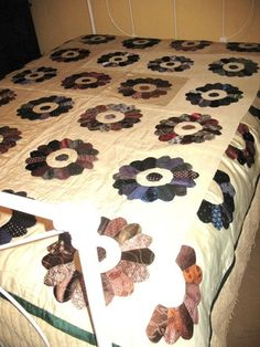 Dresdan Plate Quilt made with old ties