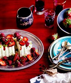 Pistachio Ice-Cream Cake with Red Summer Berries   pistachio cake, pistachio icecream, pistachios, food, ice cream cakes, red summer, summer berri, icecream cake, berries