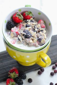 Mixed Berry and Almond Oatmeal | via Miryam Quinn Doblas, RD