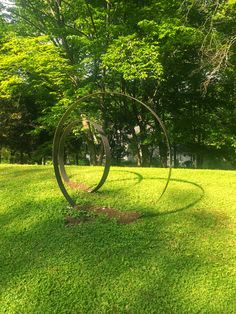 The Impatient Gardener: IT'S NOT A SEPTIC MOUND; IT'S A SCULPTURE STAND