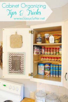 Cabinet Organizing Tips and Tricks - Love this! organizing kitchen, organizing cabinets, kitchen cleaning tips, spici shelf, spice cabinet organization, cabinet doors, free printabl, cabinet ideas, clutter free