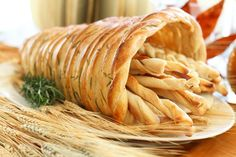 bread cornucopia, holiday foods, bread rolls