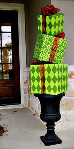 DIY Christmas Gift Box Topiary