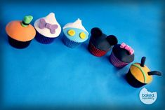 Mickey Mouse, Minnie Mouse, Donald Duck, Pluto, Goofy, and Daisy Cupcakes