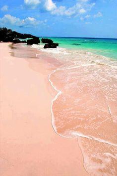 .PINK ISLAND, BAHAMAS