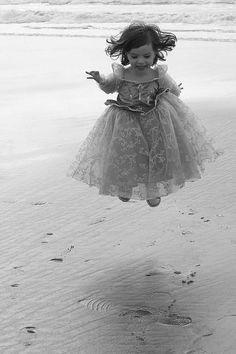 little girls, little princess, joy, at the beach, children, princesses, jump, photographi, kid