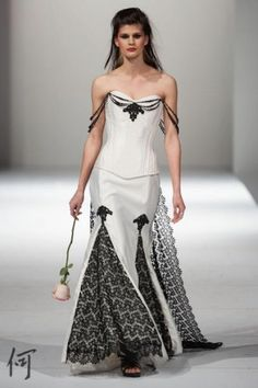 Starkers! Corsetry's Offbeat Bride-inspired gowns | Offbeat Bride