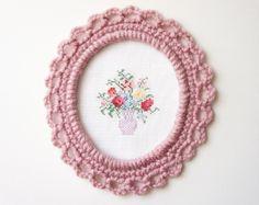ornate picture frame, free pattern by JaKiGu