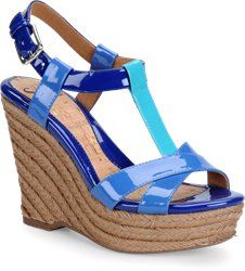 Pretty summer shoes for women with large feet. #summershoes