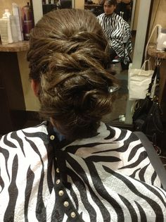 Criss Cross Updo!