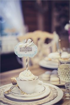 A tea cup wedding favor make this #winter wedding merry and bright!
