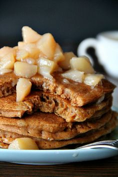 gingerbread pancakes with pear compote - vegan