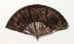 Fan, Late 19thc, French, Made of mother-of-pearl and silk