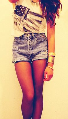Summer Style -- retro, vintage, high waisted shorts. You know me, lovin this style!!