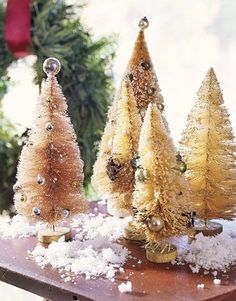 Best DIY Holiday Craft - Make Bottle Brush Trees