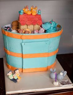Sweet Couture cakes: Noah's Ark tier cupcake..